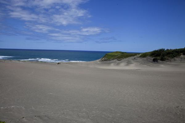 Foto van A large area of sand where most remains of old civilizations are discoveredSigatoka zandduinen - Fiji