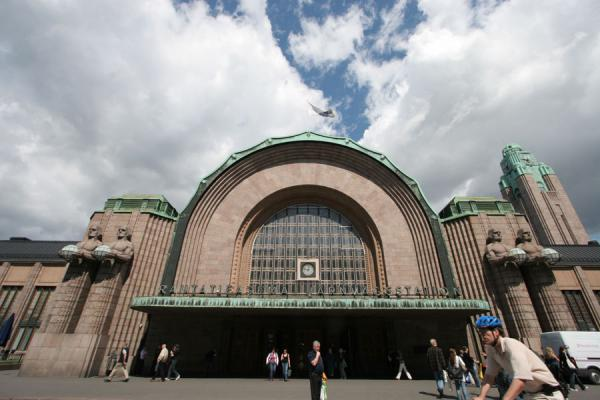 Main entrance of Helsinki Central railway station | Helsinki Station | Finland