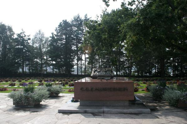 Picture of Hietaniemi Cemetery (Finland): Tomb of Mannerheim at Hietaniemi Cemetery