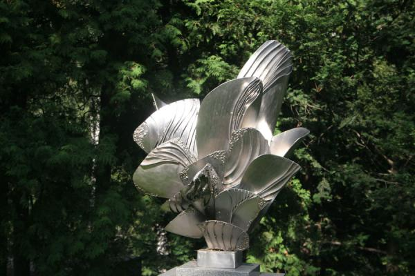 Picture of Hietaniemi Cemetery (Finland): Artwork at Hietaniemi Cemetery