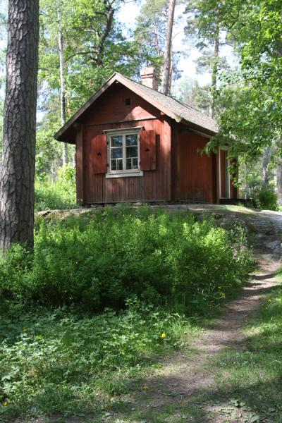 Foto van Typical Finnish wooden lodge on Seurasaari islandSeurasaari - Finland