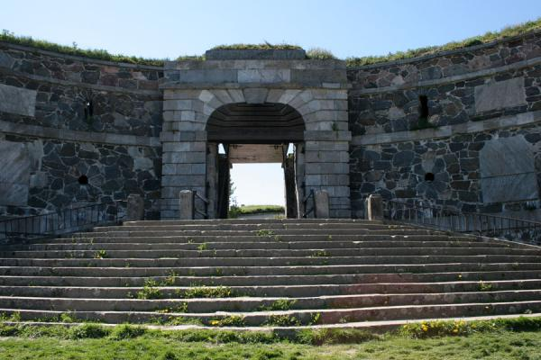 Picture of King's Gate of Suomenlinna fortress on the southern side of Kustaanmiekka island