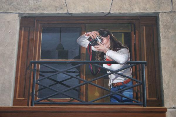 Foto de Prepared for the photographer: taking a picture of the admirer of the trompe l'oeilLyon - Francia