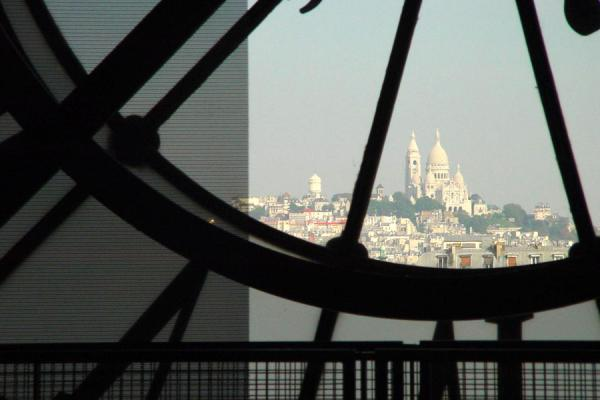 The Sacré Coeur seen through the enormous clock inside the Musée d'Orsay | Musée d'Orsay | France