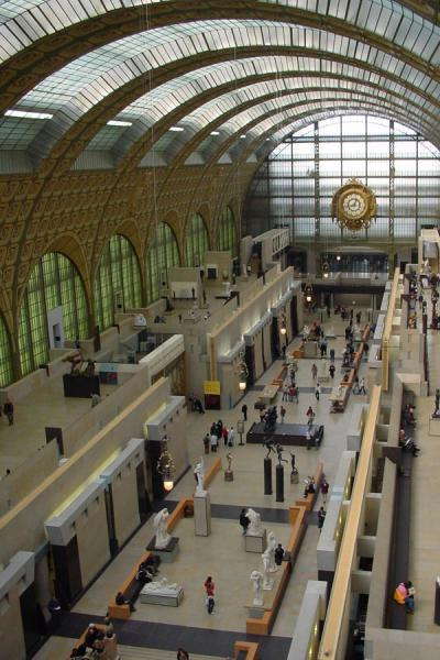 Here, you can imagine how this building has been a railway station once | Musée d'Orsay | France