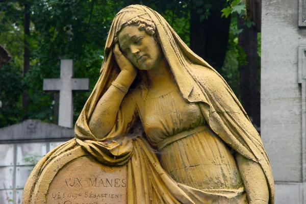 Picture of Père Lachaise Cemetery (France): Grave sculpture at Pere Lachaise Cemetery