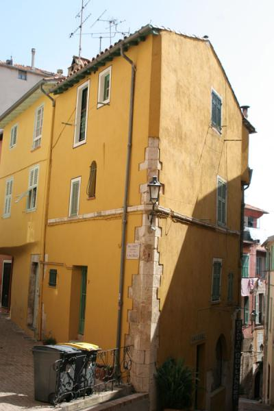 Picture of Villefranche sur Mer: house on the corner