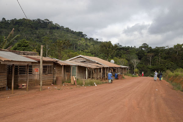 One of the villages on the road to Libreville | Bitam to Libreville | 加彭
