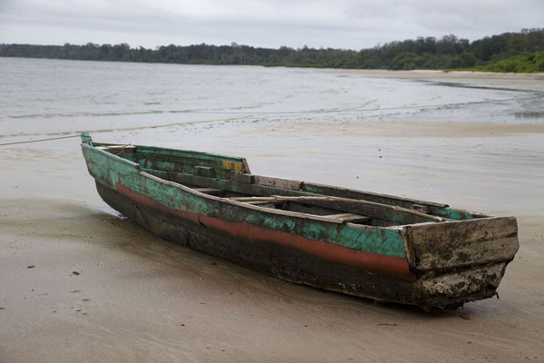 Picture of Pirogue on the beach of Cap Esterias