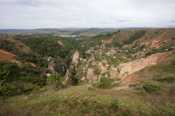 Looking east over the canyon with the lake in the background | Léconi canyon | Gabon