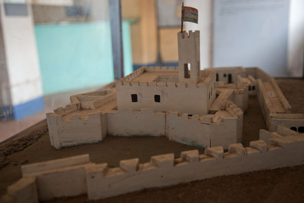的照片 Maquette of the castle on James island - the island I would not reach - 甘比亚