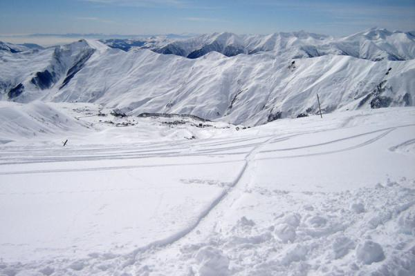 Picture of Gudauri Skiing (Georgia): Kaukasus mountains seen from one of the higher slopes of Gudauri