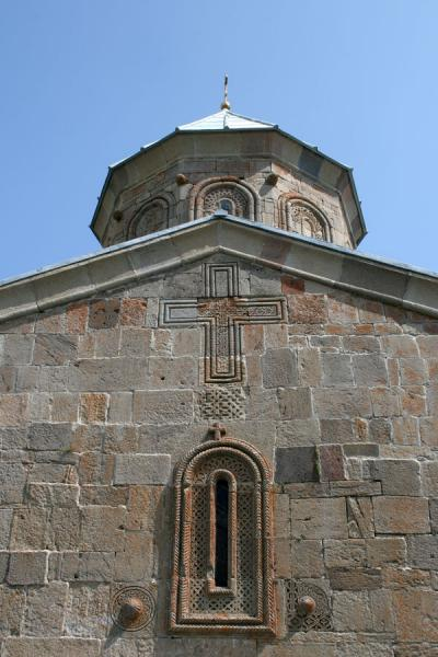 Picture of Mtatsminda Zamemba (Georgia): Mtatsminda Zamemba church: looking up a wall