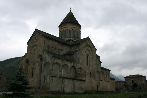 Sveti-Tshkoveli cathedral set against a grey sky | Sveti-Tshkoveli Cathedral | Georgia