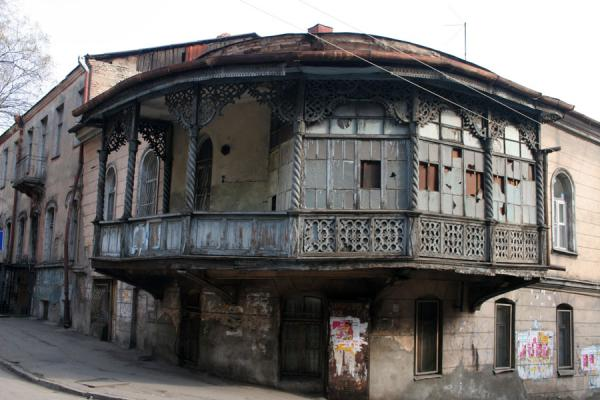 Foto di House with balcony typical of old town of TbilisiTbilisi - Georgia
