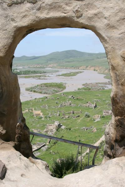 Picture of Uplistsikhe: the newer, abandoned town on the banks of the river