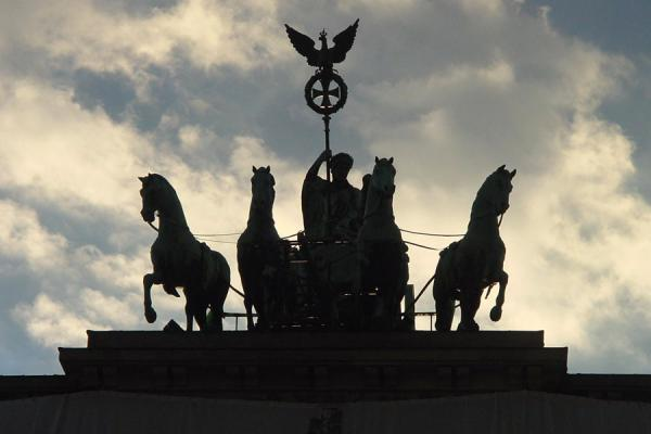 The Quadriga shadow | Brandenburger Tor | Germany