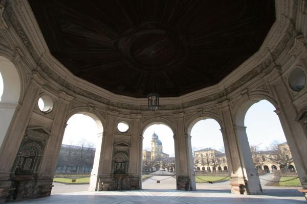 View from the Diana temple in the Hofgarten | Munich architecture | Germany