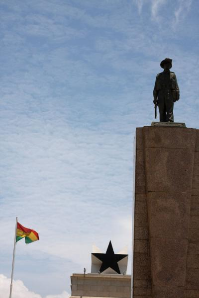 Picture of Independence Square (Ghana): Independence Monument, Ghanaian flag and the Black Star
