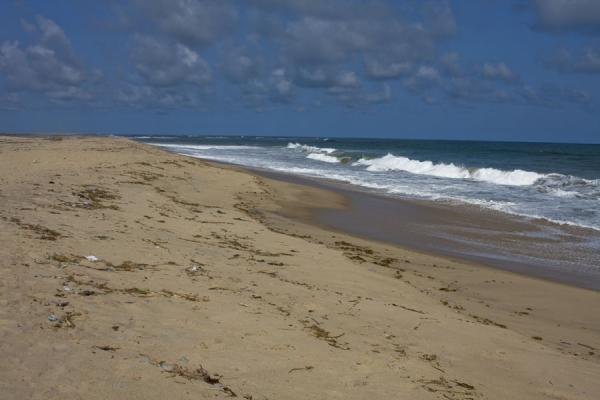 Foto di Waves crushing on the wide beach near Ada Foah - Ghana - Africa