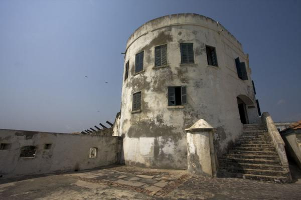 Dalzel Tower, residential area of Cape Coast castle seen from below | Cape Coast castle | Ghana