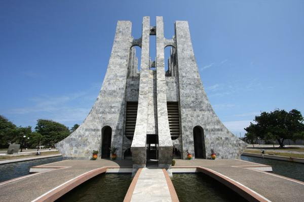 Kwame Nkrumah Mausoleum | Travel Story and Pictures from Ghana