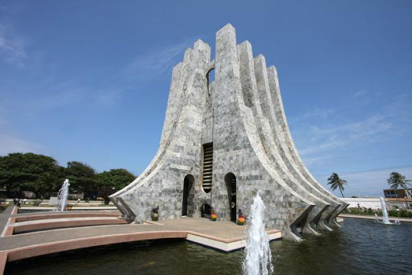Picture of Kwame Nkrumah Mausoleum with fountains