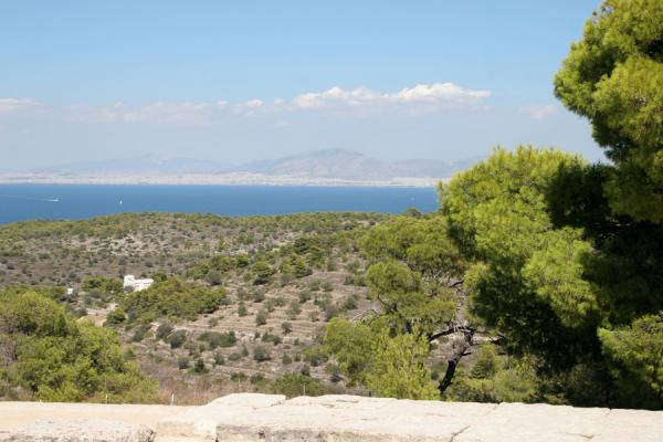 Foto van Looking over the sea towards Athens from Aphaia templeAegina - Griekenland