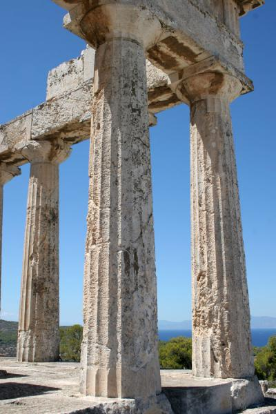 Picture of Aphaia temple: Doric columns at one of the corners