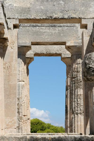 Looking through the temple of Aphaia | Aphaia Temple | Greece