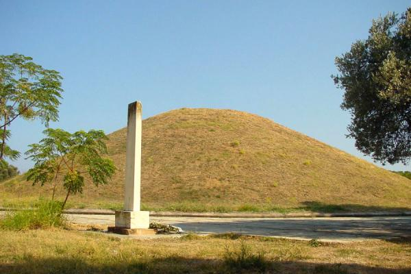 Picture of Marathon: burial mound Soros and grave stela