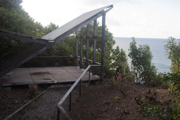 Picture of Viewing platform close to the cliffs of Carib Leap