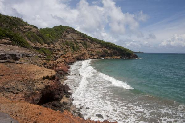 Foto di Cliffs on the way to Levera BeachSpiaggia di Levera - Grenada