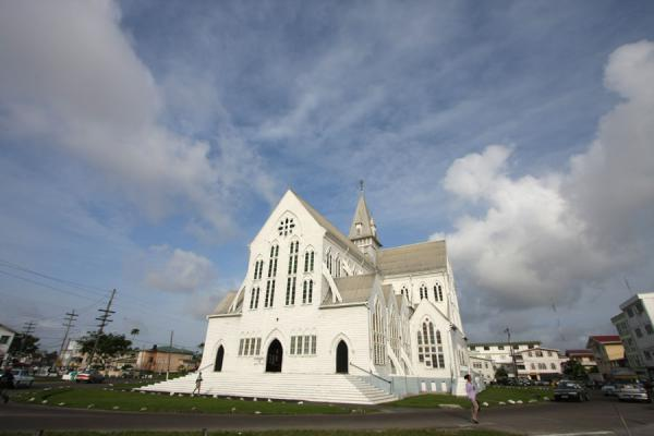 Foto van St. George Cathedral: one of the largest wooden structures in the worldGeorgetown - Guyana