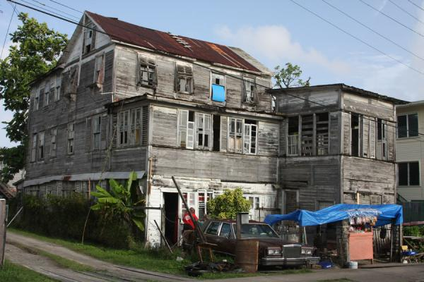 Foto van Typical wooden house in GeorgetownGeorgetown - Guyana