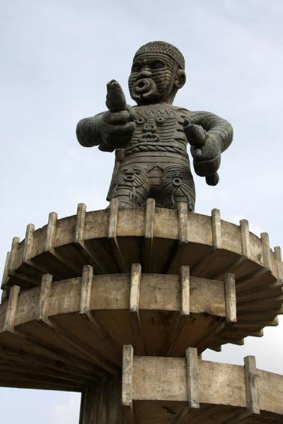 Picture of Cuffy monument in memory of the slave revolt of 1763