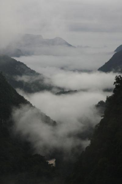 Picture of Clouds hanging in the Potaro valley