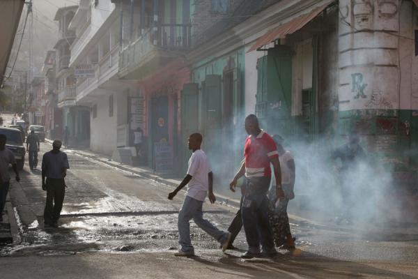 Foto di Young guys on a street in Cap HaïtienCap Haïtien - Haiti