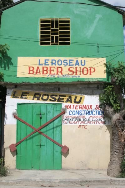 Picture of Hinche (Haiti): Hinche barber shop