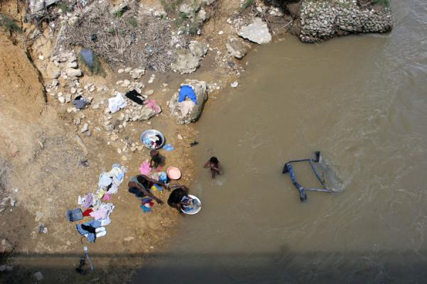 Picture of Hinche (Haiti): Laundry in the river at Hinche