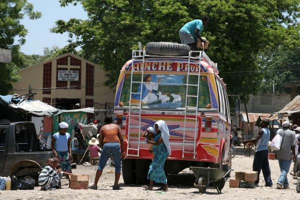 Bus attracting people in Hinche | Hinche | Haiti