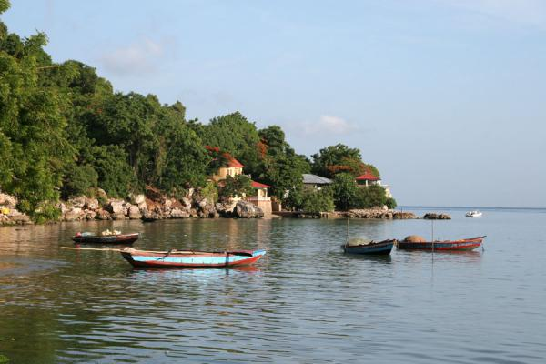 Foto de Early morning in Labadie with fisherboats - Haití - América