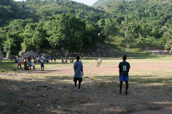 Playing football in Labadie |  | 海地