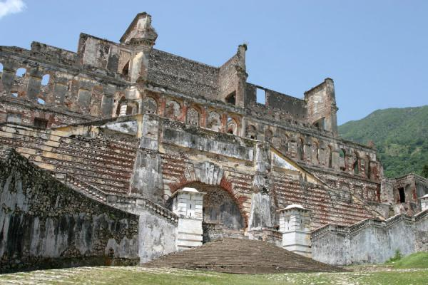 Picture of Palace Sans-Souci (Haiti): Ruins of the Palace Sans-Souci seen from below