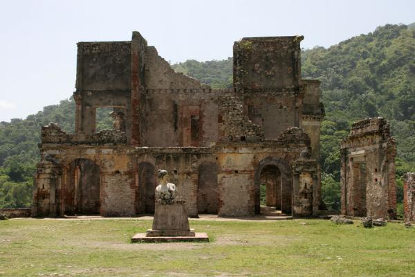 Picture of Remains of Palace Sans-Souci, courtyard and statue