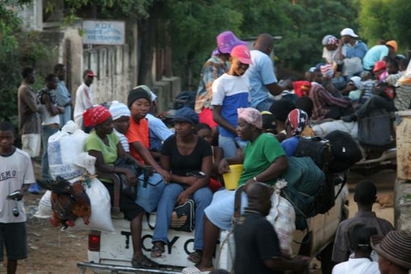 Tap-tap full of people leaving Pignon for Hinche | Tap-taps | Haiti