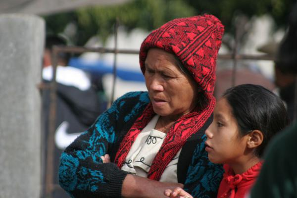 Picture of Belén Gualcho: visitors to the market