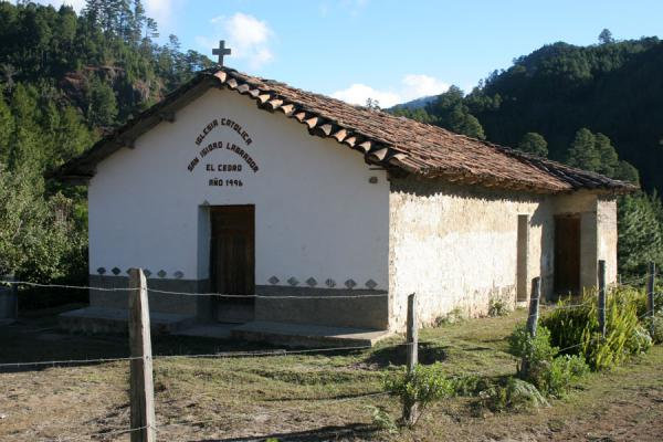 Foto de Church in nature, on the way to Cimís MontañaCelaque - Honduras