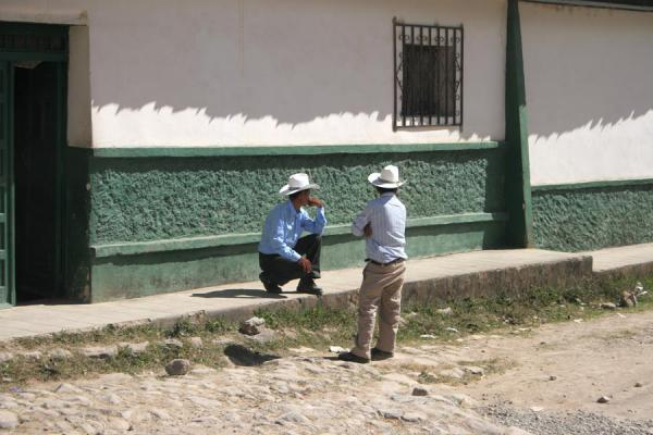 Two men talking in the streets of Erandique | Erandique | Honduras