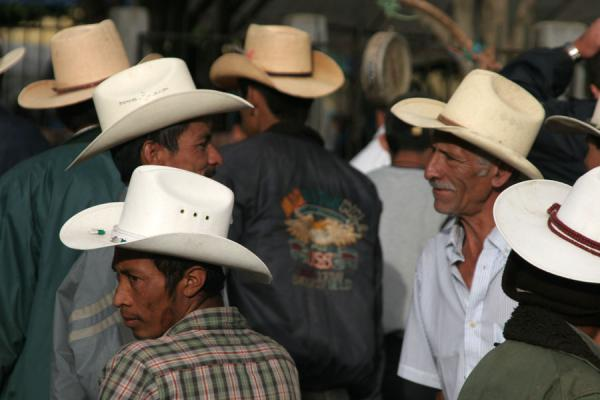 Foto de Honduras (Western Honduras: sombrero's are everywhere on the mainland)